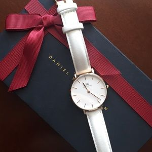 Daniel Wellington Petite Bondi Rose Gold watch